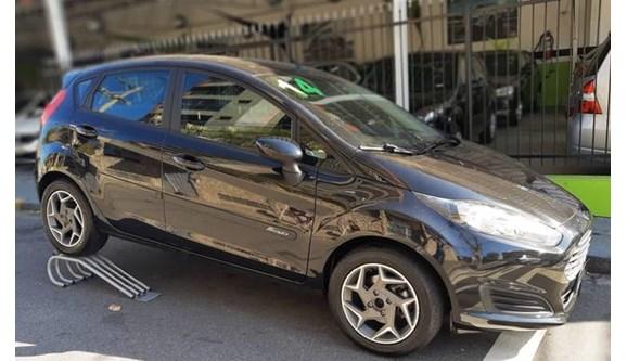 //www.autoline.com.br/carro/ford/fiesta-15-se-16v-flex-4p-manual/2014/jundiai-sp/9126612