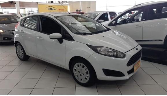 //www.autoline.com.br/carro/ford/fiesta-15-s-16v-flex-4p-manual/2015/sao-paulo-sp/9402186