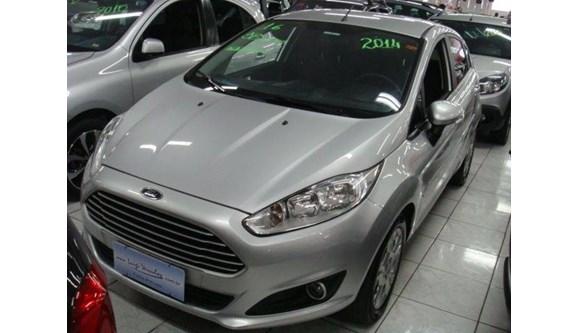 //www.autoline.com.br/carro/ford/fiesta-16-se-16v-flex-4p-powershift/2014/praia-grande-sp/6516413