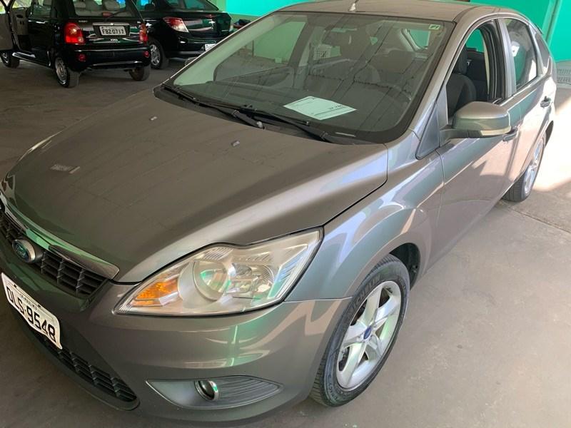 //www.autoline.com.br/carro/ford/focus-16-glx-16v-flex-4p-manual/2013/campinas-sp/11807768