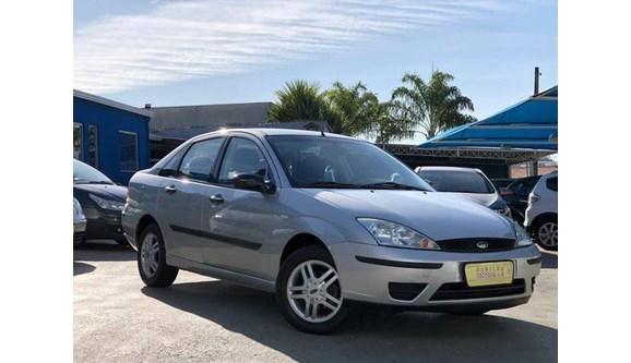 //www.autoline.com.br/carro/ford/focus-20-ghia-16v-sedan-gasolina-4p-manual/2005/sorocaba-sp/11864586
