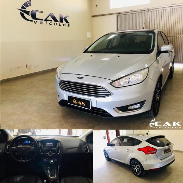 //www.autoline.com.br/carro/ford/focus-20-titanium-16v-flex-4p-powershift/2016/brasilia-df/11959128