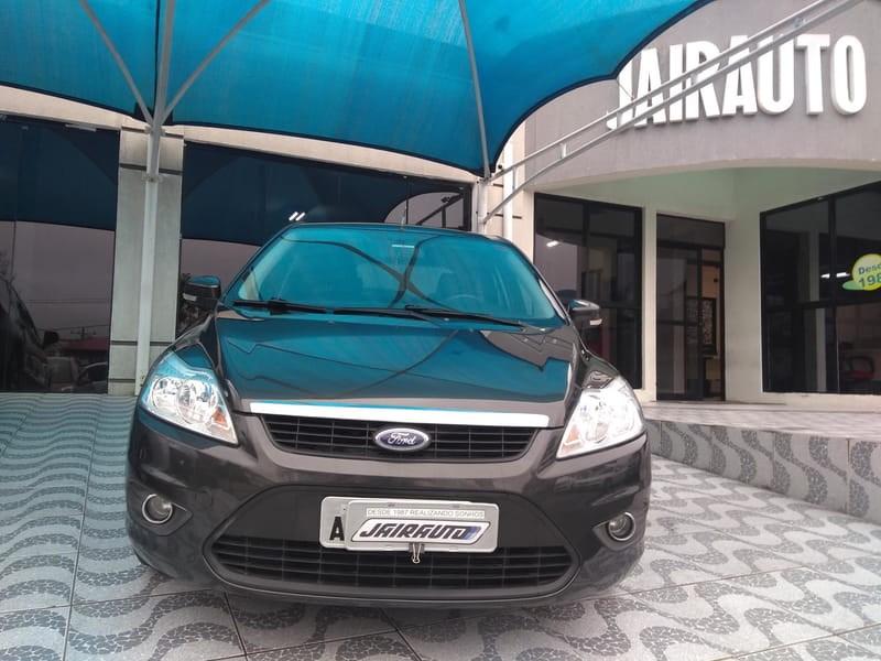 //www.autoline.com.br/carro/ford/focus-16-glx-16v-flex-4p-manual/2013/curitiba-pr/12013055