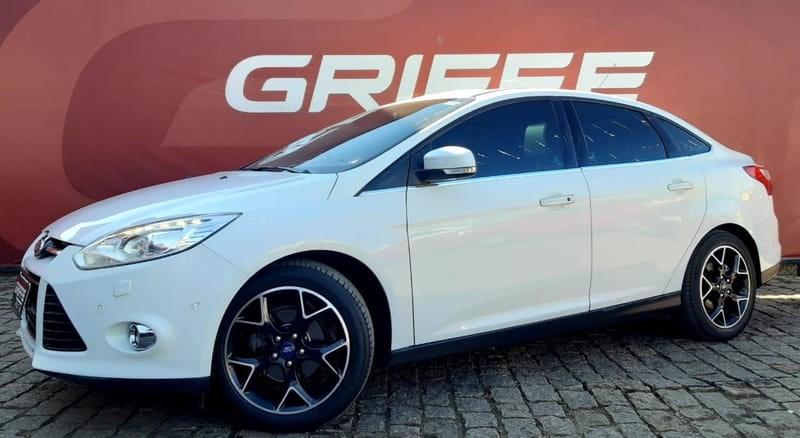 //www.autoline.com.br/carro/ford/focus-20-titanium-16v-flex-4p-automatico/2015/curitiba-pr/12193903