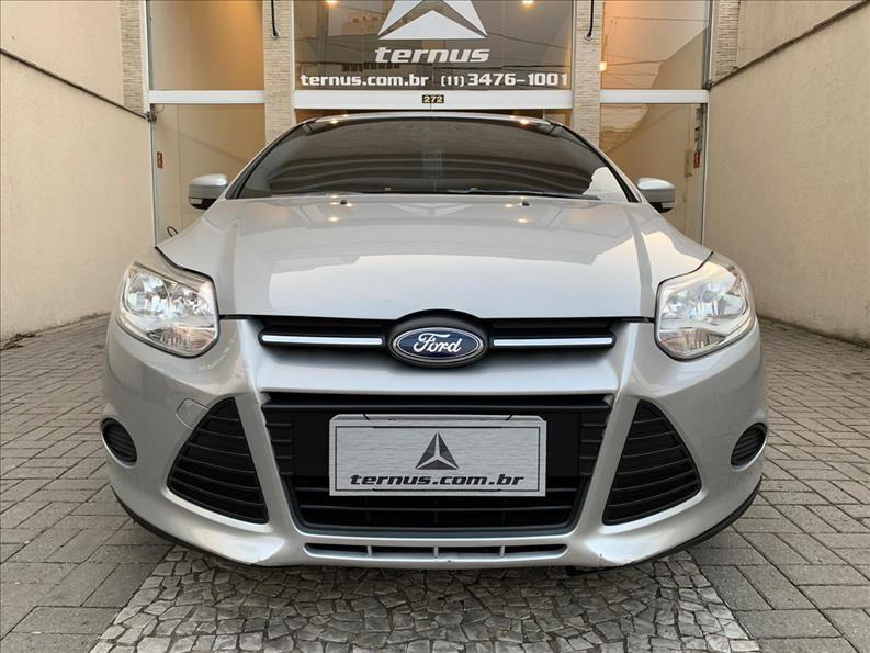//www.autoline.com.br/carro/ford/focus-16-hatch-tivct-se-16v-flex-4p-powershift/2015/sao-paulo-sp/12332167