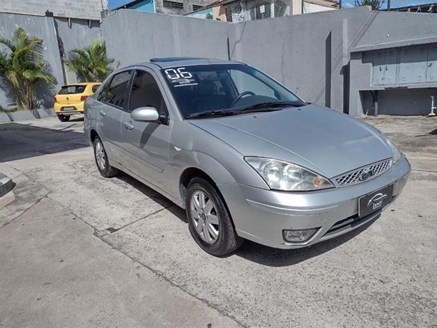 //www.autoline.com.br/carro/ford/focus-20-ghia-16v-sedan-gasolina-4p-manual/2006/mogi-das-cruzes-sp/12389496