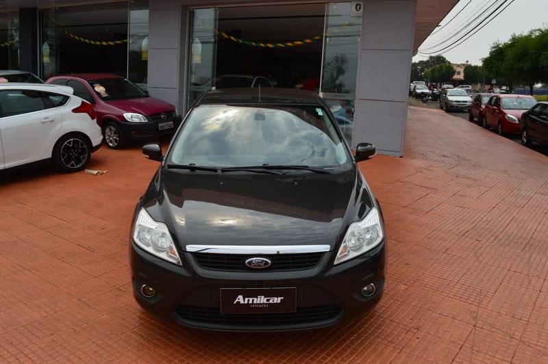 //www.autoline.com.br/carro/ford/focus-20-titanium-16v-flex-4p-automatico/2013/cascavel-pr/12403599