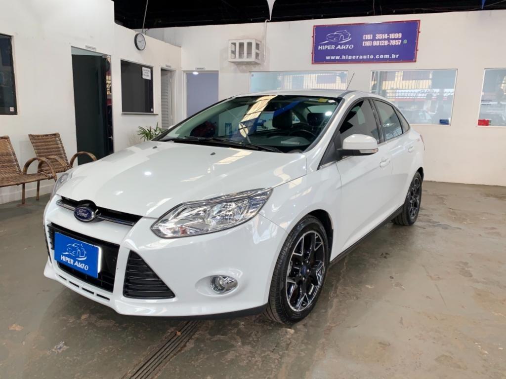 //www.autoline.com.br/carro/ford/focus-20-sedan-titanium-16v-flex-4p-powershift/2014/ribeirao-preto-sp/13009904