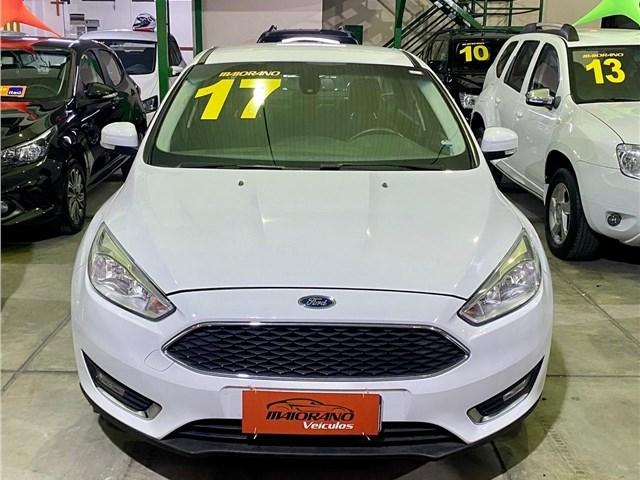 //www.autoline.com.br/carro/ford/focus-20-hatch-se-plus-16v-flex-4p-automatizado/2017/rio-de-janeiro-rj/13056742