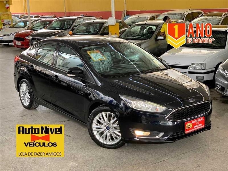 //www.autoline.com.br/carro/ford/focus-20-hatch-se-plus-16v-flex-4p-automatizado/2017/salvador-ba/13284335