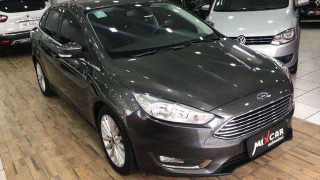 //www.autoline.com.br/carro/ford/focus-20-sedan-titanium-plus-fastback-16v-flex-4p-a/2019/sao-bernardo-do-campo-sp/13312846