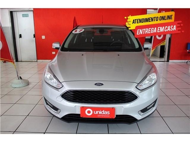 //www.autoline.com.br/carro/ford/focus-20-sedan-se-fastback-16v-flex-4p-automatizado/2017/sao-paulo-sp/13560198