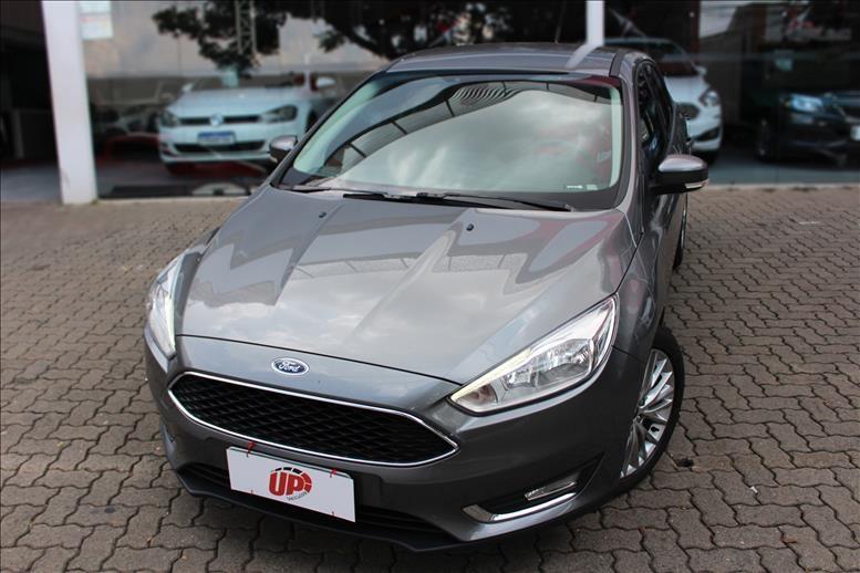 //www.autoline.com.br/carro/ford/focus-20-hatch-se-16v-flex-4p-automatizado/2018/campinas-sp/13608225