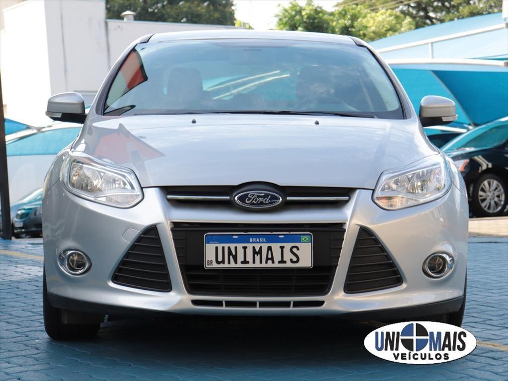 //www.autoline.com.br/carro/ford/focus-20-sedan-s-16v-flex-4p-powershift/2015/campinas-sp/13617611