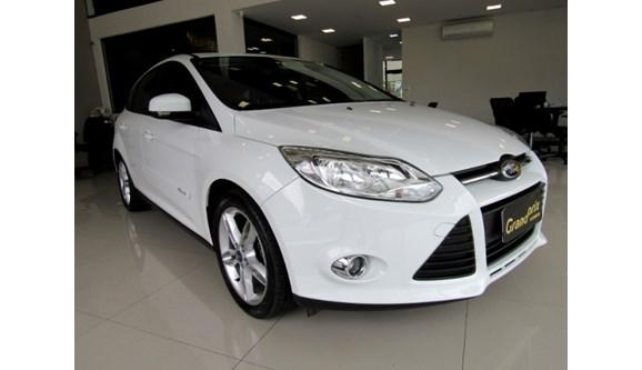 //www.autoline.com.br/carro/ford/focus-20-hatch-titanium-plus-16v-flex-4p-powershift/2015/curitiba-pr/13647329