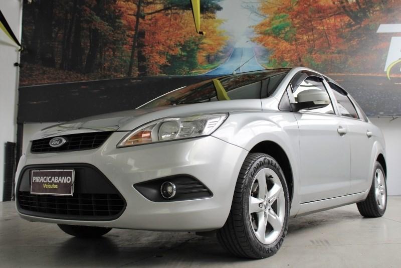 //www.autoline.com.br/carro/ford/focus-20-hatch-glx-16v-flex-4p-automatico/2011/campinas-sp/13663656