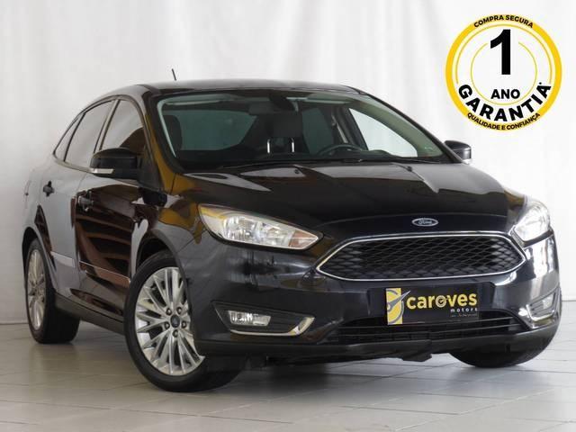 //www.autoline.com.br/carro/ford/focus-20-sedan-se-fastback-16v-flex-4p-automatizado/2018/sao-paulo-sp/14618456