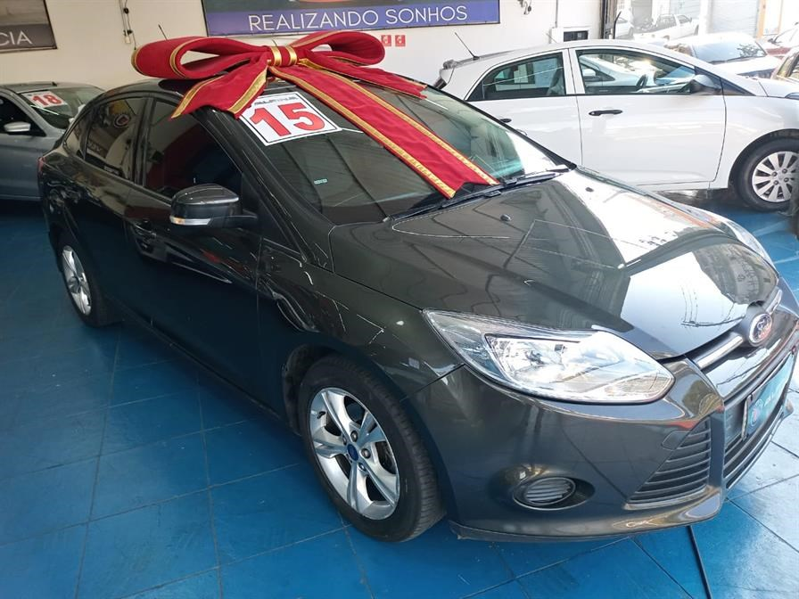 //www.autoline.com.br/carro/ford/focus-20-sedan-s-16v-flex-4p-powershift/2015/sao-paulo-sp/14639291