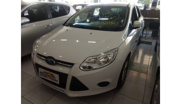 //www.autoline.com.br/carro/ford/focus-16-s-16v-flex-4p-manual/2014/sao-paulo-sp/5947060