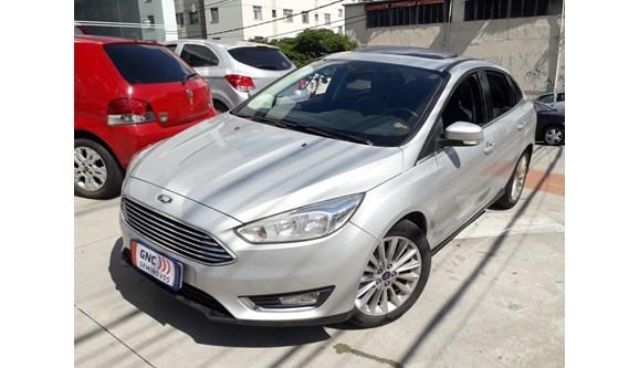 //www.autoline.com.br/carro/ford/focus-20-titanium-plus-16v-flex-4p-powershift/2017/belo-horizonte-mg/7447730