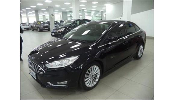 //www.autoline.com.br/carro/ford/focus-20-titanium-plus-16v-flex-4p-powershift/2016/cascavel-pr/8220917