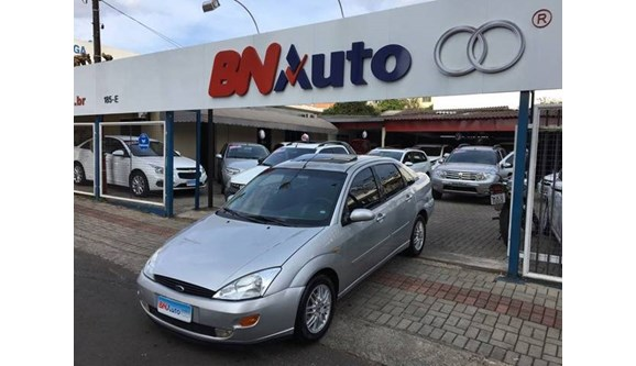 //www.autoline.com.br/carro/ford/focus-20-ghia-16v-sedan-gasolina-4p-manual/2001/chapeco-sc/6749716