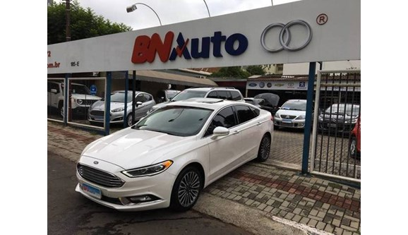 //www.autoline.com.br/carro/ford/fusion-20-titanium-16v-gasolina-4p-automatico/2017/chapeco-sc/7359158