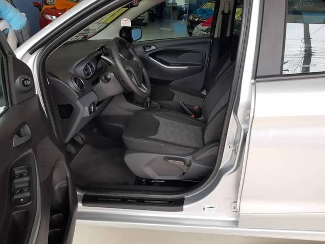 //www.autoline.com.br/carro/ford/ka-15-sel-16v-flex-4p-manual/2017/sao-paulo-sp/13671023