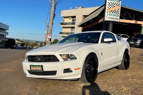 //www.autoline.com.br/carro/ford/mustang-46-coupe-gt-california-v-8-at-300cv-2p-gasoli/2010/nao-me-toque-rs/14934406