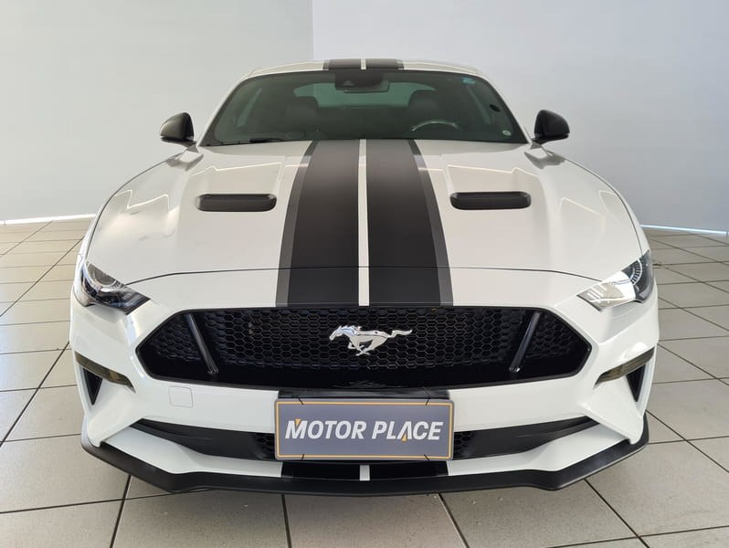 //www.autoline.com.br/carro/ford/mustang-50-coupe-gt-premium-32v-gasolina-2p-automatic/2018/joinville-sc/14994335