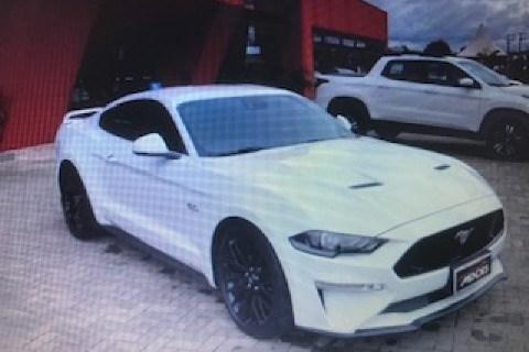 //www.autoline.com.br/carro/ford/mustang-50-coupe-gt-premium-32v-gasolina-2p-automatic/2018/forquilhinha-sc/15565898