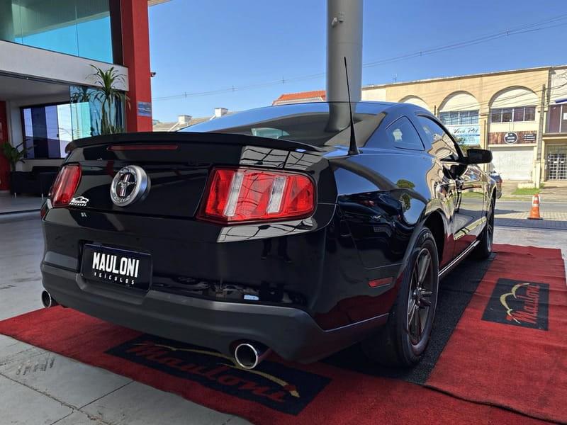 //www.autoline.com.br/carro/ford/mustang-37-coupe-v-6-305cv-2p-gasolina-automatico/2012/curitiba-pr/15776801