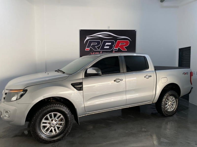 //www.autoline.com.br/carro/ford/ranger-22-xl-4x4-150cv-4p-diesel-manual/2013/cuiaba-mt/12359015