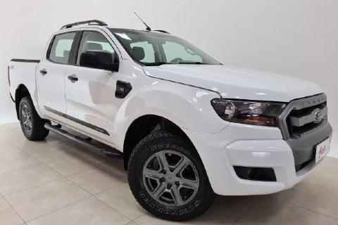 //www.autoline.com.br/carro/ford/ranger-22-cd-xls-16v-diesel-4p-4x4-turbo-automatico/2017/santa-cruz-do-sul-rs/13325384