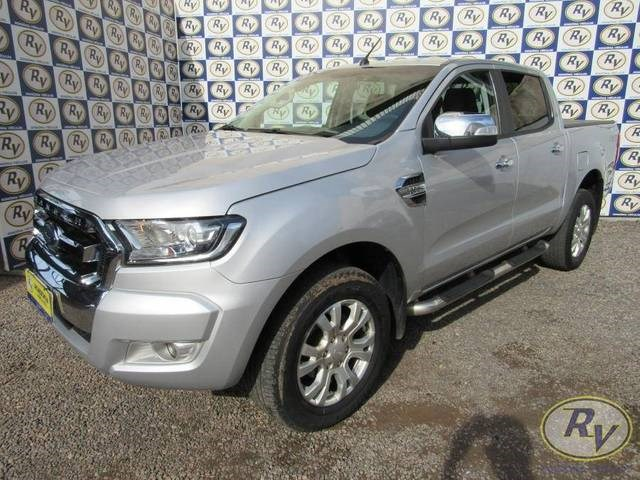 //www.autoline.com.br/carro/ford/ranger-32-cd-xlt-20v-diesel-4p-4x4-turbo-automatico/2019/cacoal-ro/14514317