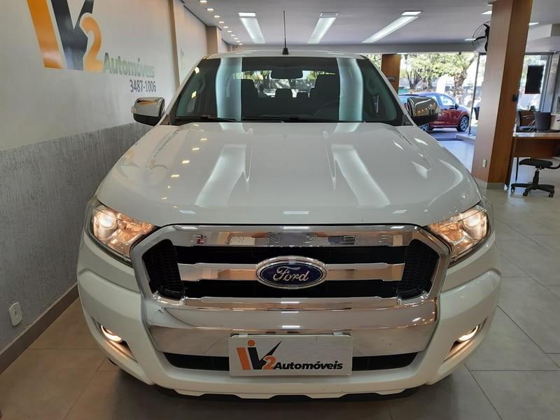 //www.autoline.com.br/carro/ford/ranger-32-cd-xlt-20v-diesel-4p-4x4-turbo-automatico/2018/brasilia-df/14884906