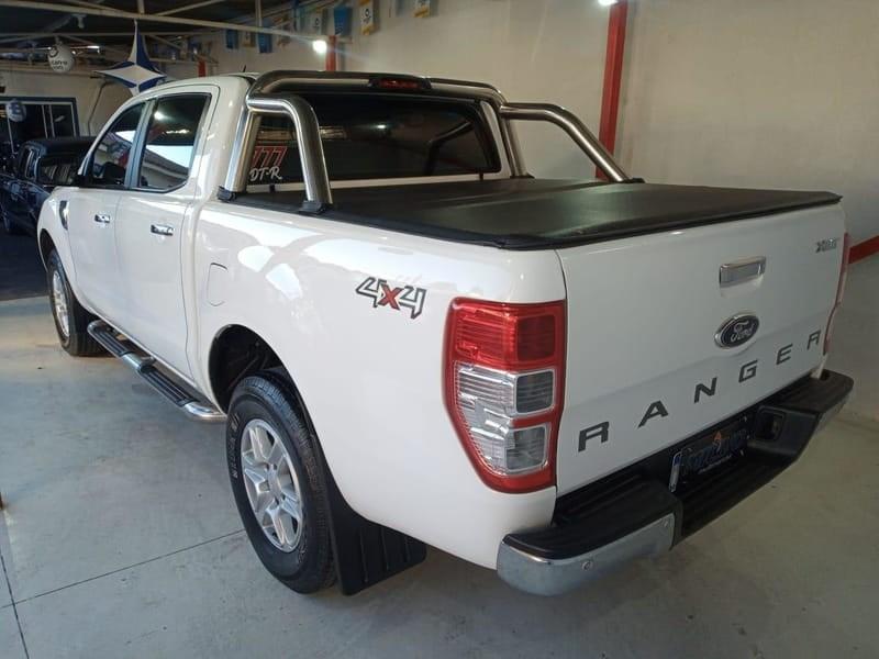 //www.autoline.com.br/carro/ford/ranger-32-xlt-cd-20v-diesel-4p-4x4-turbo-automatico/2015/curitiba-pr/14940220