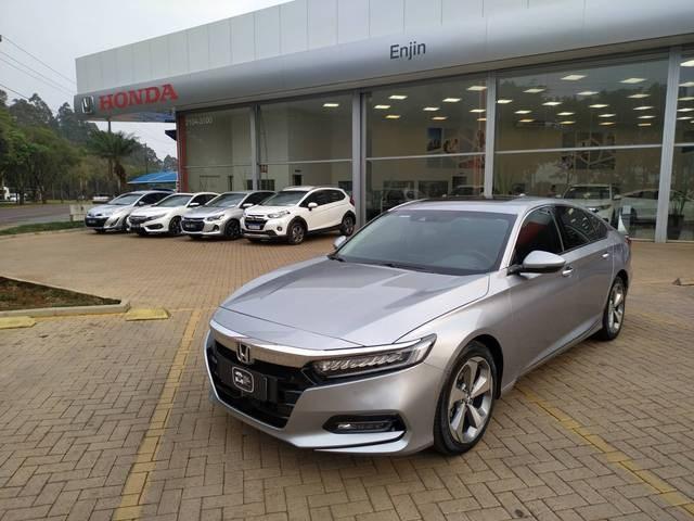 //www.autoline.com.br/carro/honda/accord-20-touring-16v-gasolina-4p-automatico/2018/cascavel-pr/12374520