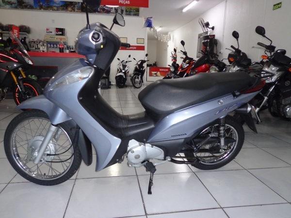 //www.autoline.com.br/moto/honda/biz-125-es-flex-etagas-aut-basico/2015/gravatai-rs/11028592