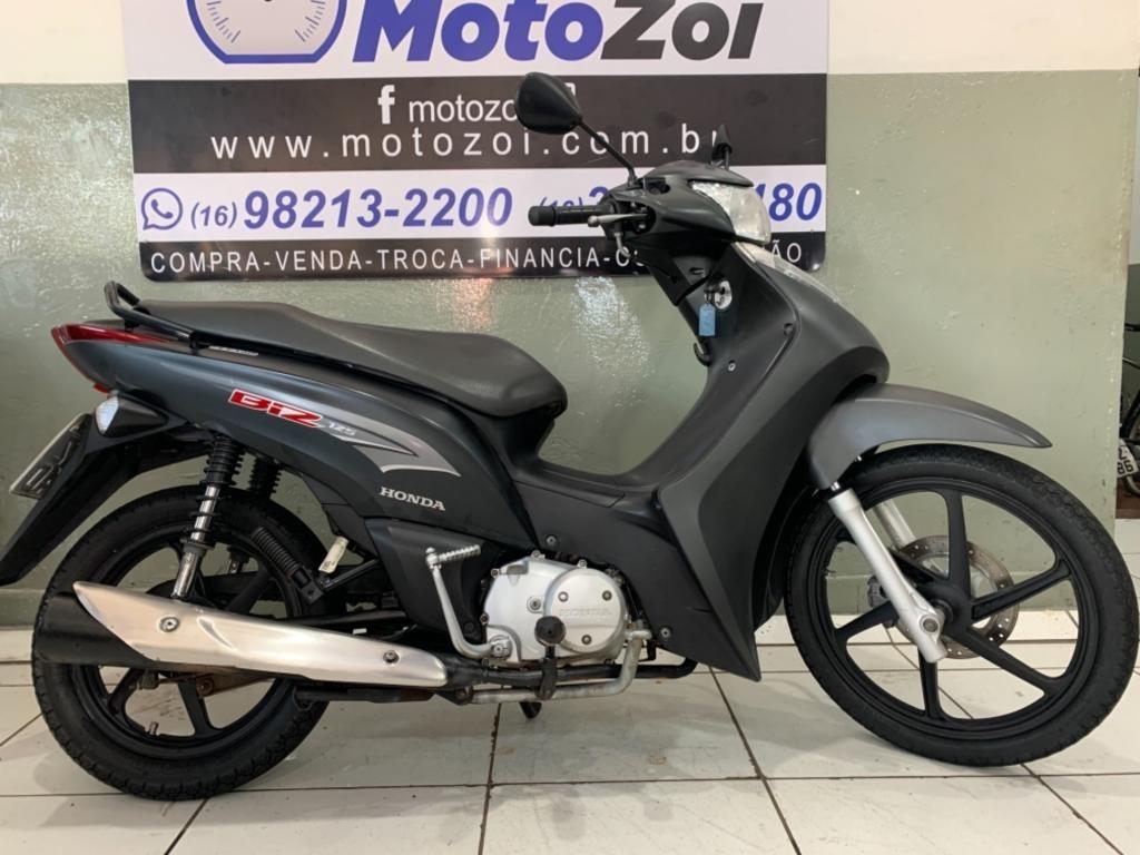 //www.autoline.com.br/moto/honda/biz-125-es-flex-etagas-aut-basico/2015/ribeirao-preto-sp/12994643