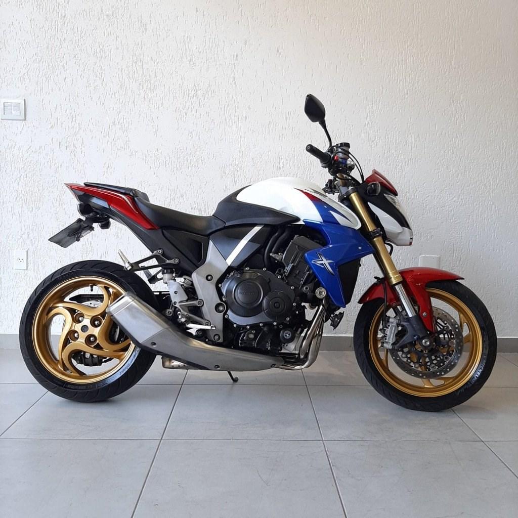 //www.autoline.com.br/moto/honda/cb-1000-rc-abs-gas-mec-basico/2013/belo-horizonte-mg/15687451