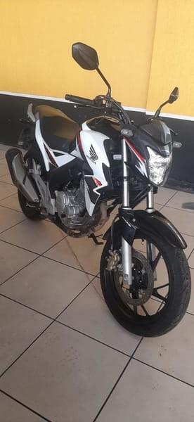 //www.autoline.com.br/moto/honda/cb-250-twister-flexflexone/2019/curitiba-pr/15594785