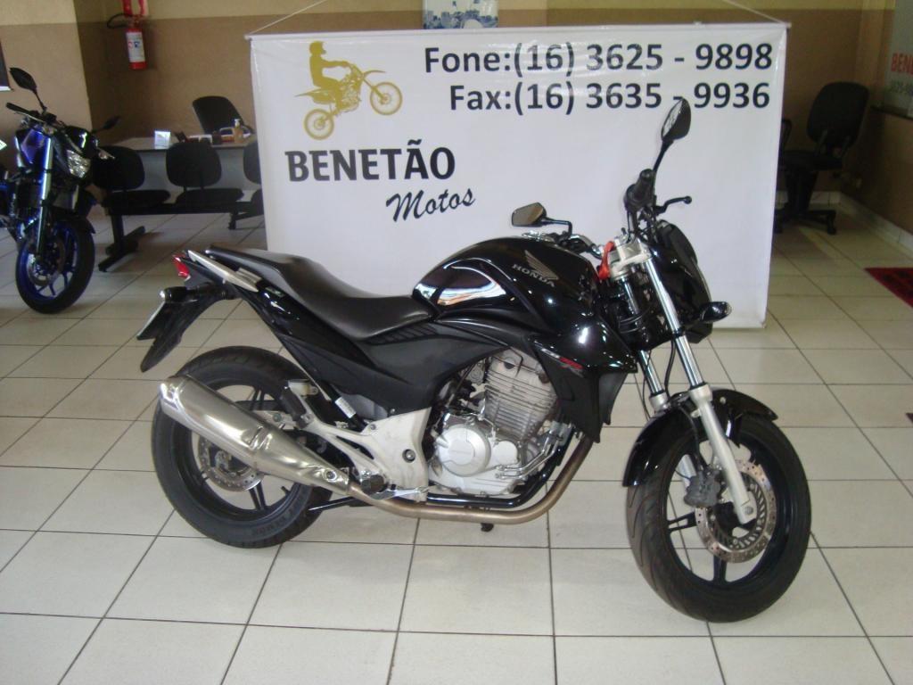 //www.autoline.com.br/moto/honda/cb-300-rflexone-flex-etagas-mec-basico/2013/ribeirao-preto-sp/14808791