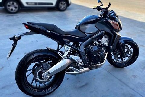 //www.autoline.com.br/moto/honda/cb-650f-abs-gas-mec-basico/2015/braganca-paulista-sp/15079016