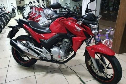 //www.autoline.com.br/moto/honda/cb-twister-250cc/2016/tubarao-sc/12943100