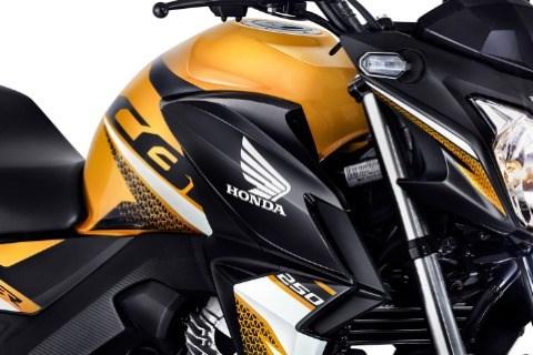 //www.autoline.com.br/moto/honda/cb-twister-250cc/2016/curitibanos-sc/13461377