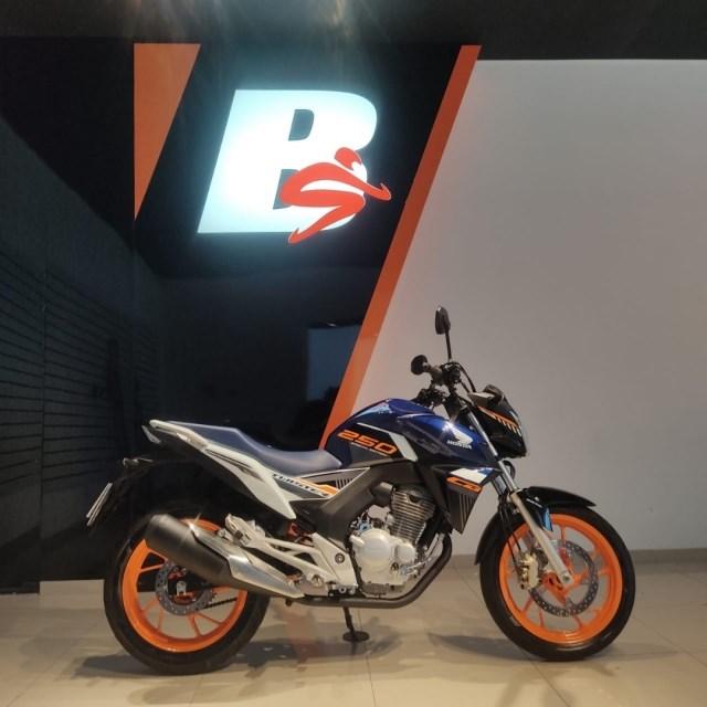 //www.autoline.com.br/moto/honda/cb-twister-250cc/2020/bauru-sp/14616311