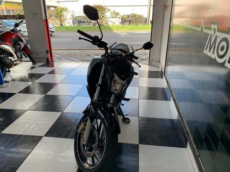 //www.autoline.com.br/moto/honda/cb-twister-250cc/2019/curitiba-pr/15350343