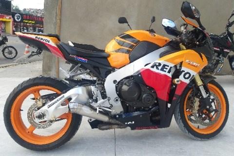 //www.autoline.com.br/moto/honda/cbr-1000-rr-fireblade-repsol-gas-mec-basico/2011/braganca-paulista-sp/15340283