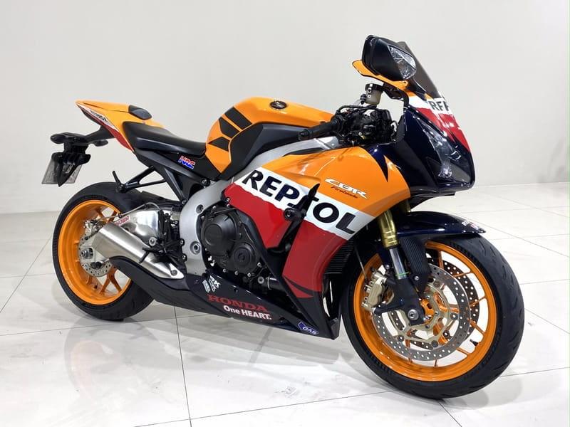 //www.autoline.com.br/moto/honda/cbr-1000-rr-firebladestd-gas-mec-basico/2013/curitiba-pr/15243816